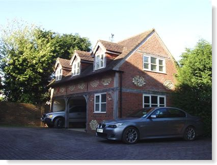 Garage with Office in Winchmore Hill, Bucks